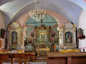 Interno della chiesa di Chamois - Foto di Gian Mario Navillod.