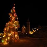 Albero di Natale e chiesa di Chamois - Foto di Gian Mario Navillod.