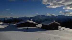 Alpeggio di Comiana sotto la neve - Foto di Gian Mario Navillod.