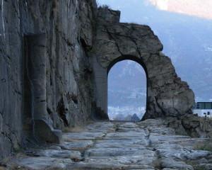 Strada Romana delle Gallie a Donnas – Foto di Gian Mario Navillod.