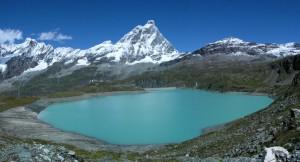 Lago del Goillet e Monte Cervino – Foto di Gian Mario Navillod.