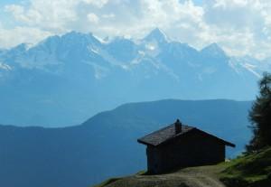 Il Monte Emilius visto da La Magdeleine - Foto di Gian Mario Navillod.