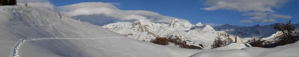 L'oratorio e il belvedere di Gilliarey in inverno - Foto di Gian Mario Navillod.