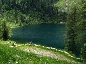Lago Vargno lungo il pellegrinaggio Fontainemore-Oropa – Foto di Gian Mario Navillod.
