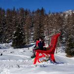 La Big Bench, la grande panchina rossa al Col Pilaz di La Magdeleine - Foto di Gian Mario Navillod