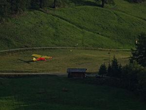 Decollo all'altiporto di Chamois - Foto di Gian Mario Navillod.