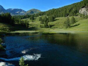 Lago sul Torrente Petit-Monde (presa della centrale idroelettrica di Torgnon) - Foto di Gian Mario Navillod.
